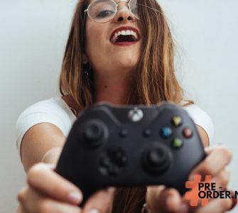 xbox controller girl